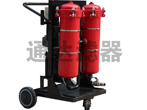<b>LYC-B三级过滤便移式高精度滤油机</b>